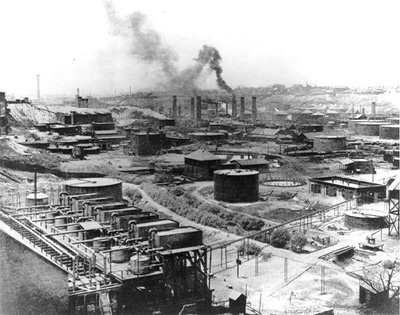 File:Standard Oil, Refinery