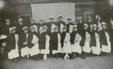 File:Camp Sherman Red Cross Nurses.jpg