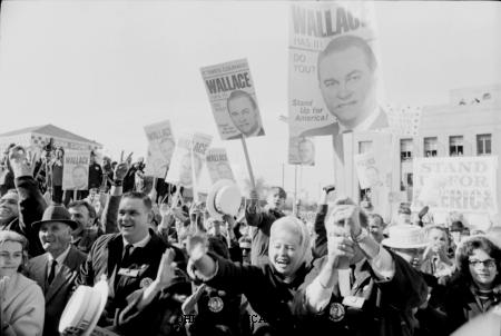 Wallace, George Supporters in Cincinnati.jpg