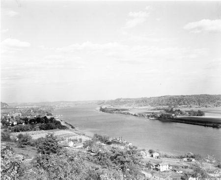 File:Ohio River at Gallipolis.jpg