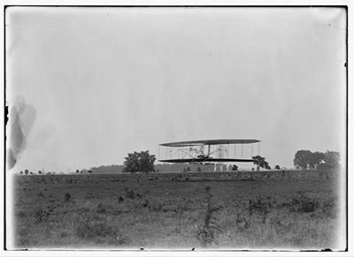 File:Wright, Wilbur piloting (LC).jpg
