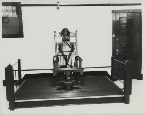 File:Electric Chair at Ohio State Penitentiary.jpg