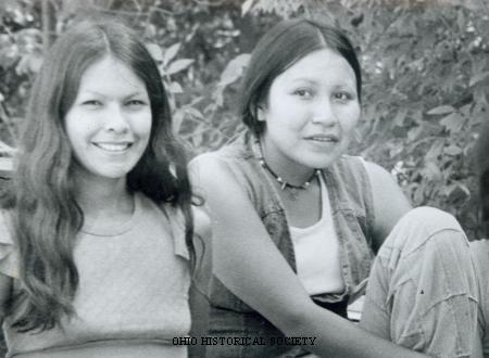 File:Native American Women.jpg