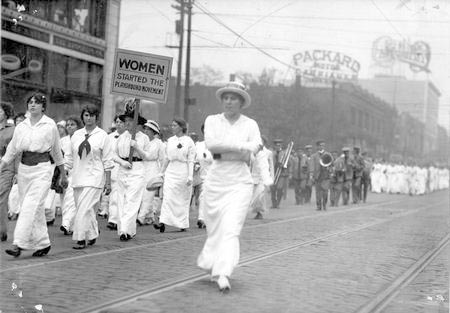 File:Parade of Women.jpg