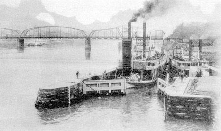 Boats in Locks on the Ohio River.jpg