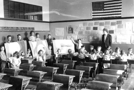 File:Seall, Lucy Yates (Elementary) School Class.jpg
