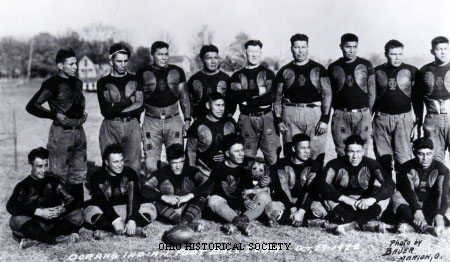 Oorang Tribe Football Team with Jim Thorpe.jpg