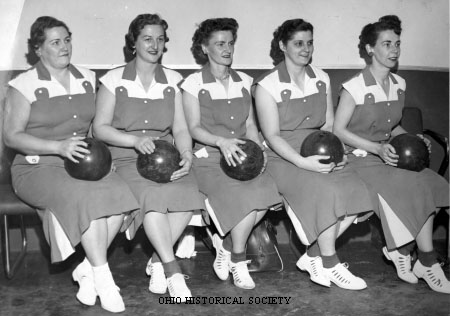 File:Women's Bowling Team.jpg
